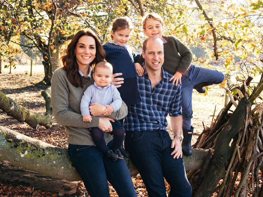 The royal family Christmas portrait with Kate Middleton, Prince William, Prince Louis, Princess Charlotte, and Prince George. Note the denim.