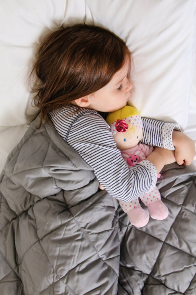 I Finally Tried A Weighted Blanket For My Kids (And Should've Done It Years Ago)