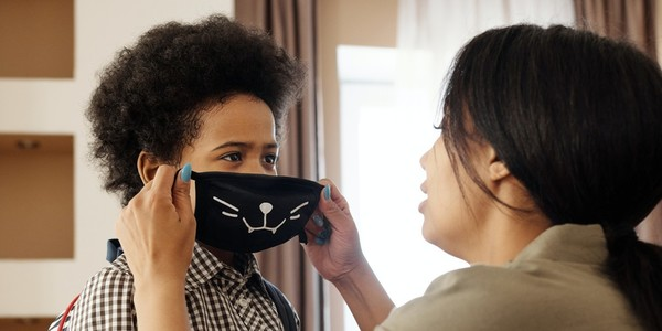 The Best Face Masks For Kids (And Tips To Help Keep Them On)
